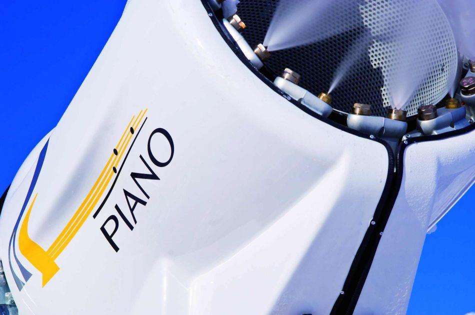 TechnoAlpin_Piano_2008-01-11_006.jpg