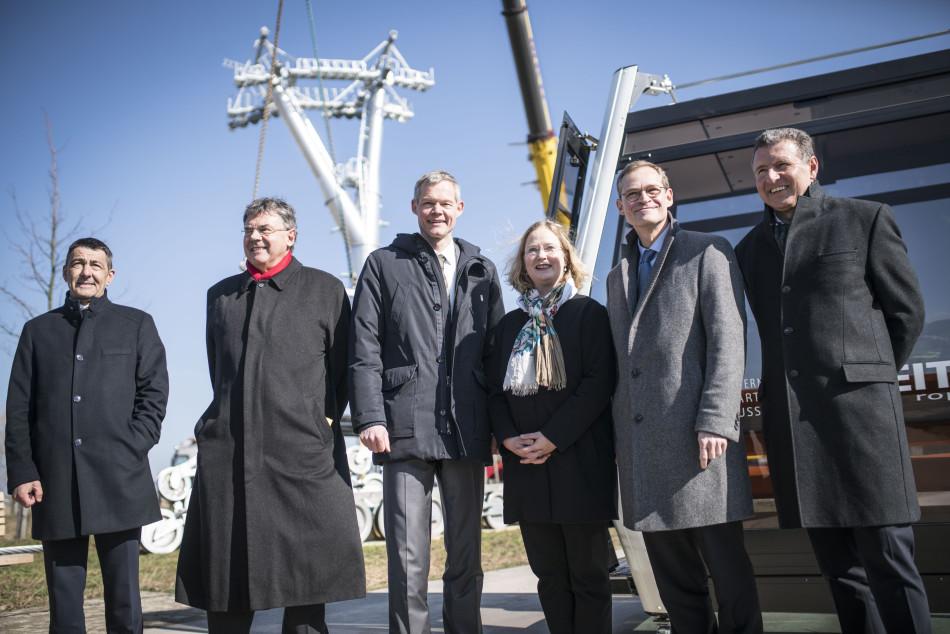 Installation der ersten Stütze für die Seilbahn der IGA 2017 am 16.03.2016 in Anwesenheit des Regierenden Bürgermeisters von Berlin Michael Müller.