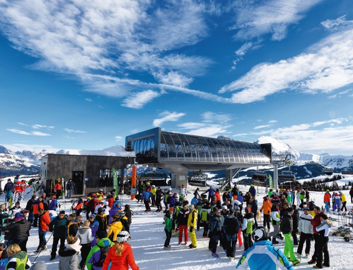 Divertimento sugli sci per i piccoli sull'Alpe di Siusi