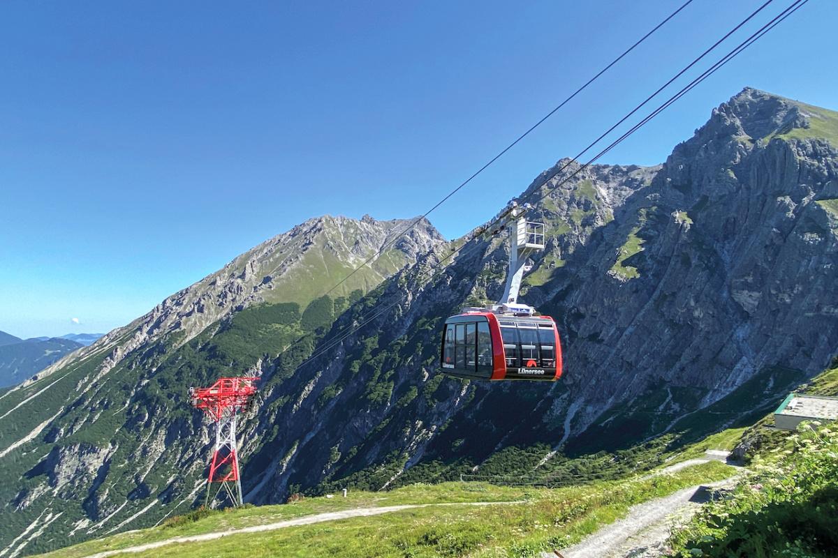 Con la più moderna tecnologia funiviaria Doppelmayr nel posto più pittoresco dell'Austria