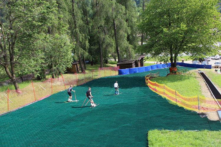 """""""Skigarden Val di Sole"""" pronto al lancio. Il primo centro in Trentino dove sciare tutto l' anno su piste Neveplast."""