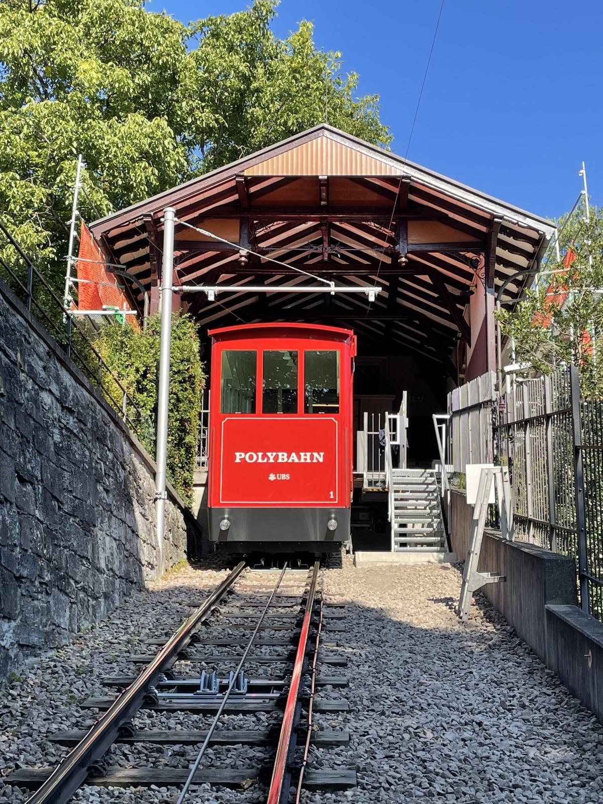 La funicolare Polybahn di Zurigo di nuovo in servizio
